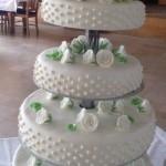 Klassische Hochzeitstorte mit Füllung nach Wunsch